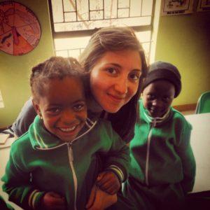 Foto di Chiara con bambini