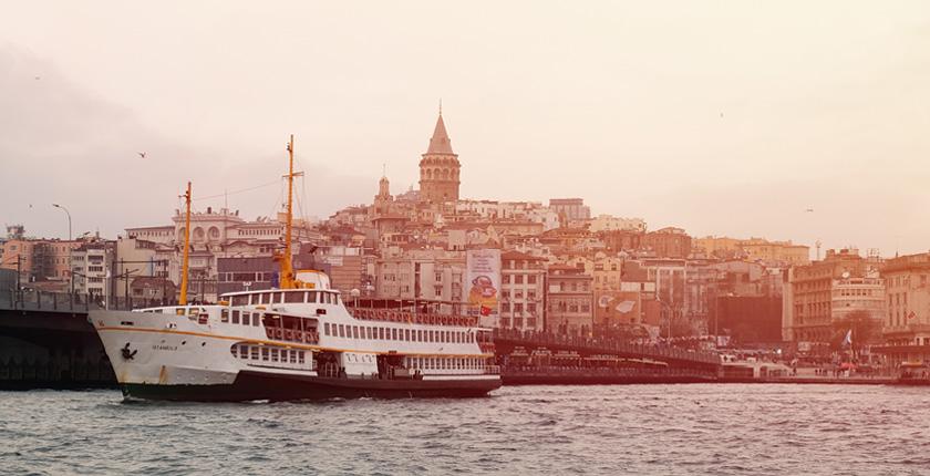 Istanbul vista dallo Stretto di Messina
