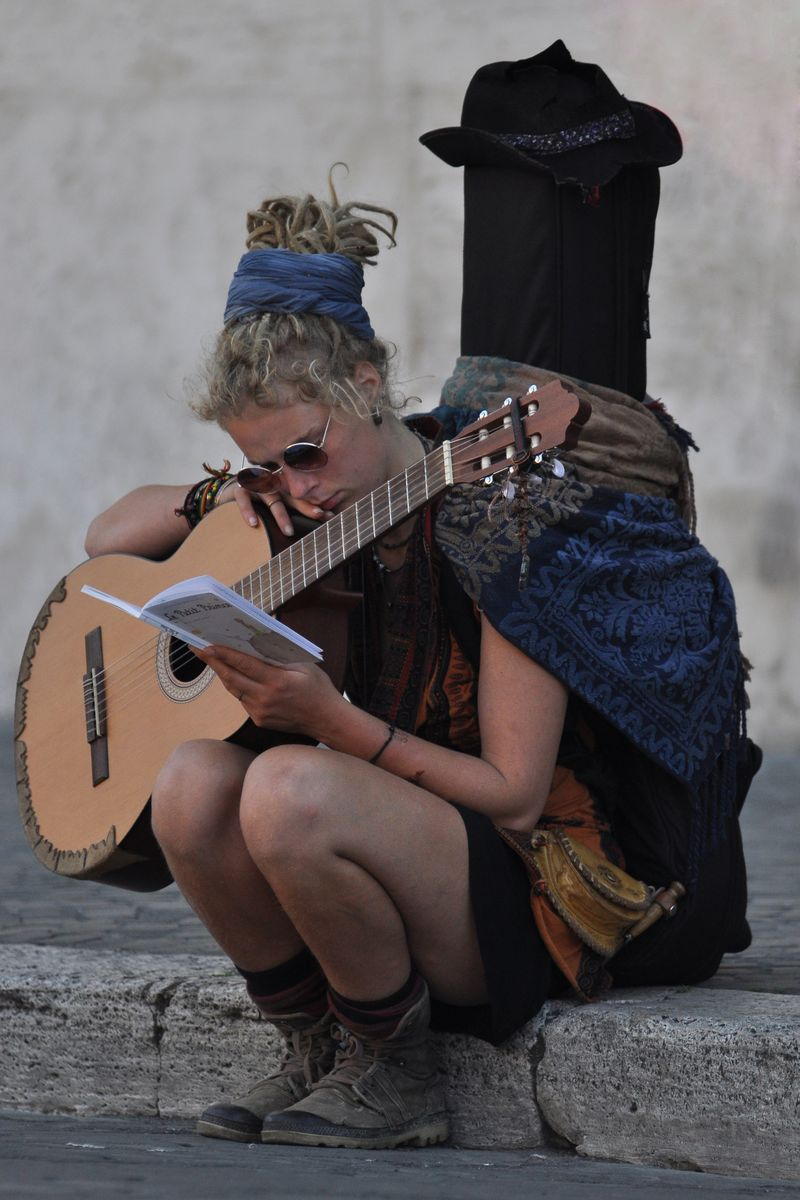 """Mostra fotografica """"Io tra la gente"""" un racconto per immagini tra le strade di Roma e Amsterdam UET Roma"""
