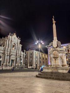 Foto della Via Etna e Piazza Duomo