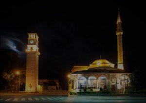 Foto della Moschea Ethem e della Torre dell'Orologio di TiranaBey