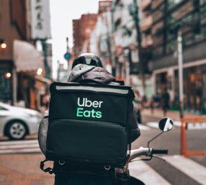 Foto di fattorino Uber Eats
